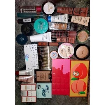 Zestaw kosmetyków do makijażu i pielęgnacji