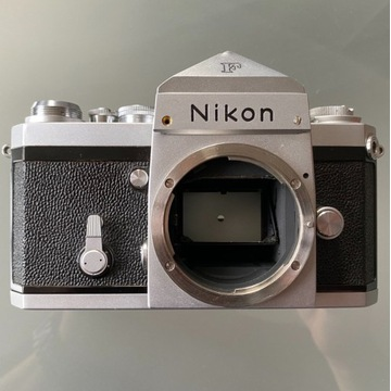 Nikon F pierwsza lustrzanka, rok prod. od 1959r.
