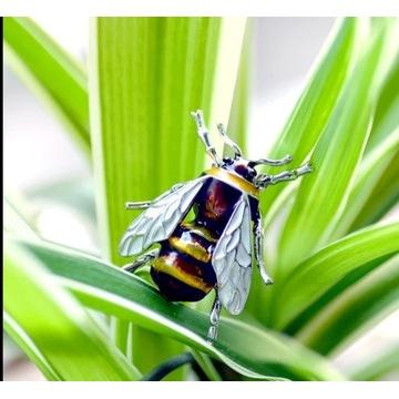 Broszka pszczoła