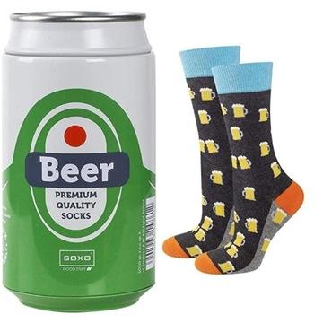Skarpetki dla mężczyzny w puszce piwa