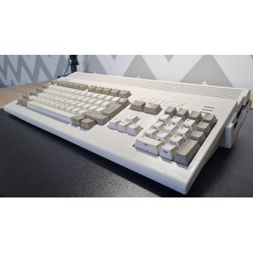 Amiga 1200 + Elbox 1200/4