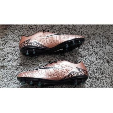 Nike HYPERVENOM PHATAL II FG 42,5