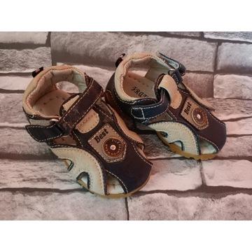 Sandałki skórzane r 21 piękne niemowlęce miękkie