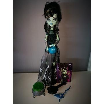 Monster High Upiorne Halloween Frankie Stein