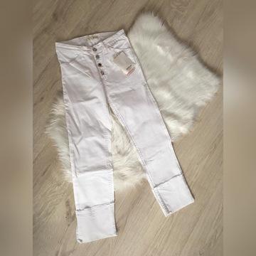 Spodnie białe stradivarius modne hit