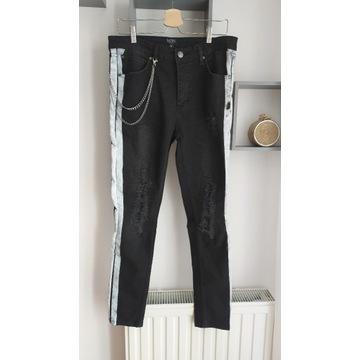 Spodnie męskie rurki z przetarciami BOOHOO rozm. S
