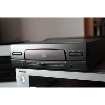 Odtwarzacz płyt CD marki ONKYO model C30