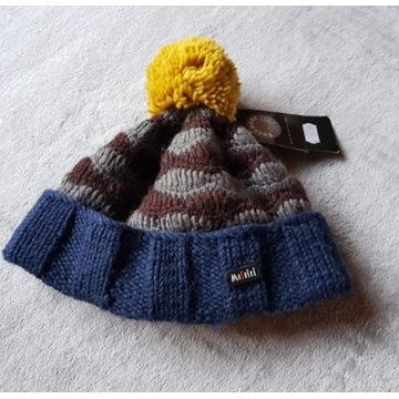 welna z Nepalu : czapka z pomponem recznie robiona