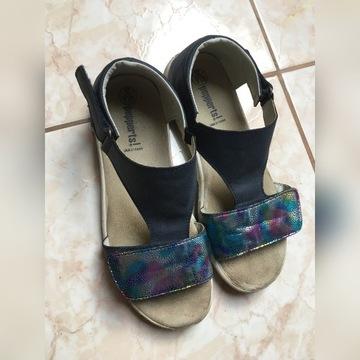 Sandałki r.36