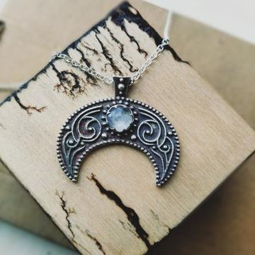 Lunula, srebrna z kamieniem księżycowym