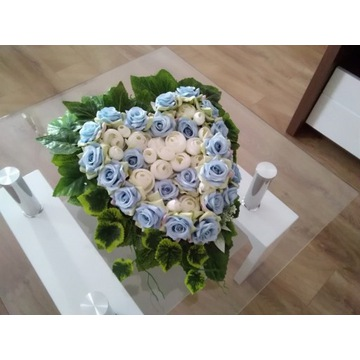 Serce z kwiatów na grób, Dzień Matki