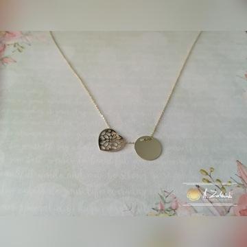 Piękny złoty łańcuszek z ażurowym sercem i kołem