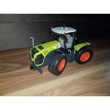 Traktor Claas Xerion 5000