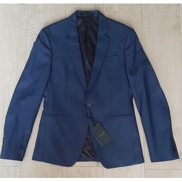 Sprzedam nowy garnitur Zara rozmiar 48/42