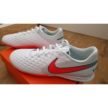 Nowe Nike Tiempo Legend 8 Academy TF 45,5