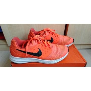 Buty Nike, r. 40. Stan dobry.