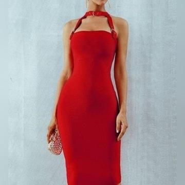 czerwona sukienka z chokerem