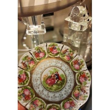 Pięknie zdobiony talerz dekoracyjny