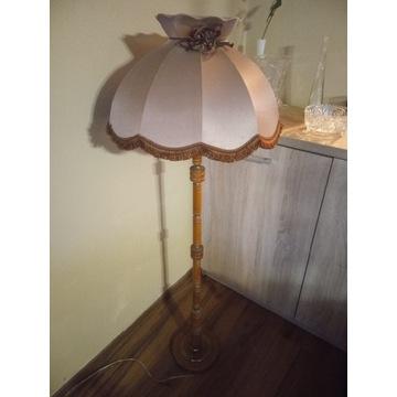 Lampa stojąca z abażurem