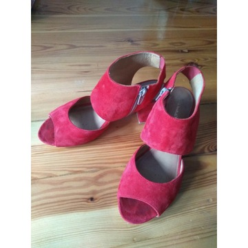 Sandały zamszowe Maciejka 37 czerwone