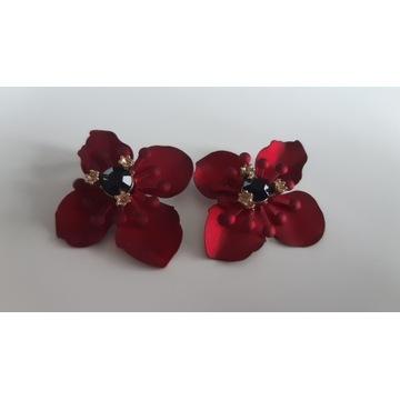Czerwone kolczyki kwiaty H&M