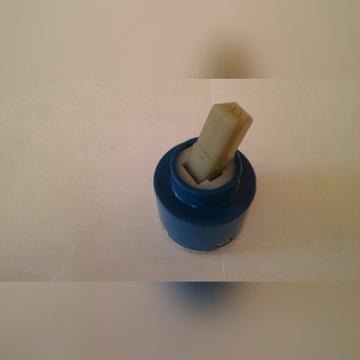 Regulator ceramiczny przepływu wody w bateriach