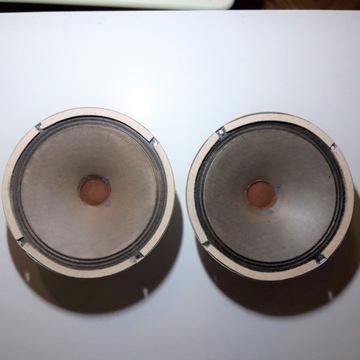 Głośniki Tesla ARO 689
