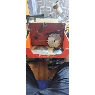 Portable saw atrament Dlack Decker