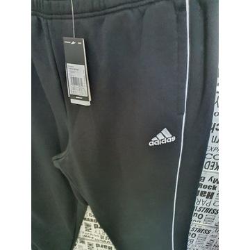 Spodnie dresowe męskie marki Adidas