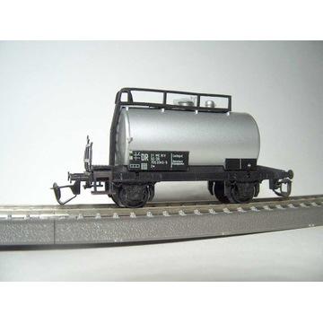 BTTB TT 2-os.wagon cysterna  zarzad DR
