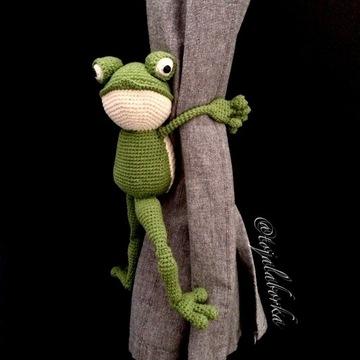 Upinacz na zasłony firany okno żaba prezent
