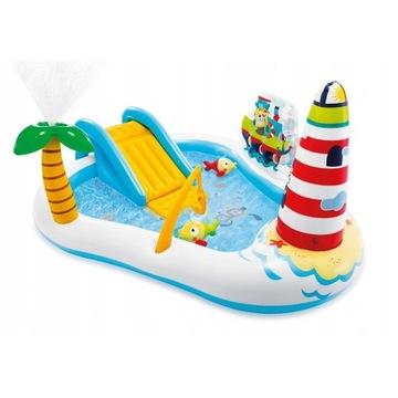 Basen Wodny plac zabaw z fontanną i zjeżdżalnią