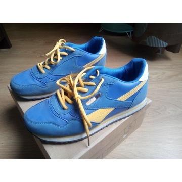 Obuwie buty sportowe