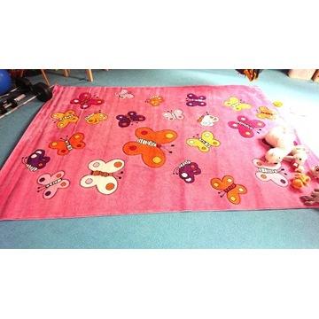 Dywan dziecięcy różowy, motyle