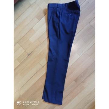Granatowe spodnie garniturowe na wzrost 176-182