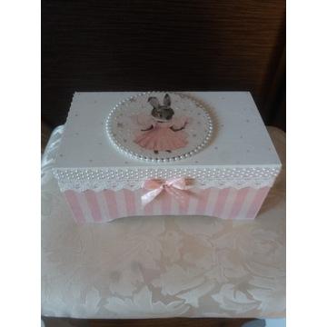 Kuferek drewniany  dla dziewczynki szkatułka