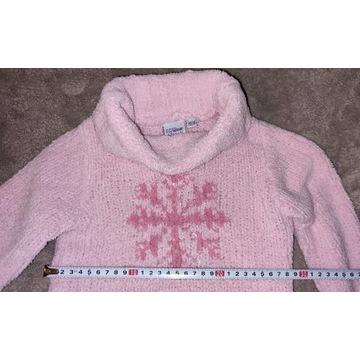 Różowy sweterek