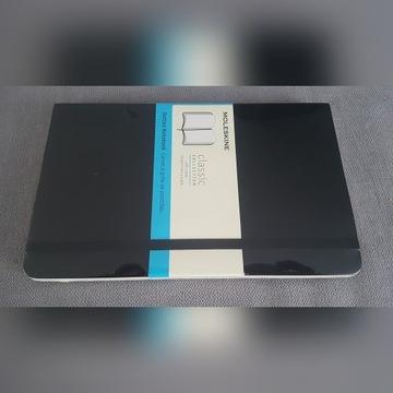 "Nowy czarny notatnik "" Moleskine dotted notebook"""
