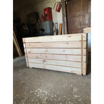 Drewniana piękna donica
