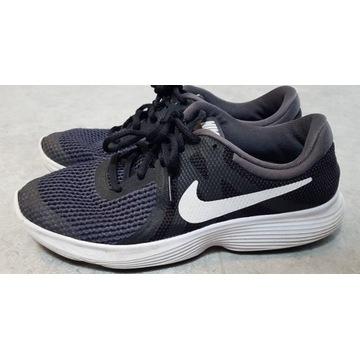 Buty do biegania Nike Revolution (rozmiar 38.5)