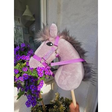 Konik Hobby Horse na kijku + zestaw - Ambicja