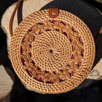 Okrągła torebka z rattanu, prezent dla dziewczyny