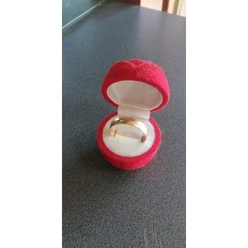 Złota obrączka 586, waga 4.26, rozmiar 33