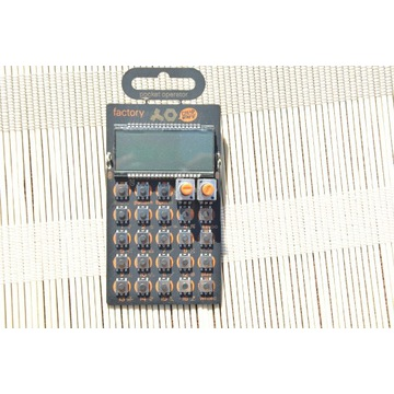 Syntezator Pocket Operator Factory
