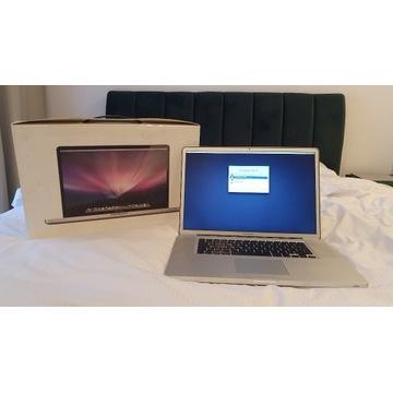 Macbook Pro 17', początek 2009, 8GB, 320GB