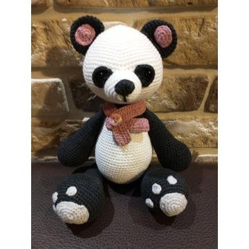 Panda maskotka na szydełku rękodzieło hand made