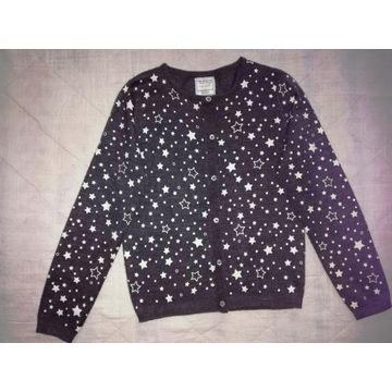 Szary sweterek w białe gwiazdki