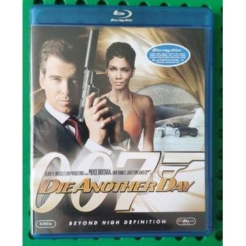 ŚMIERĆ NADEJDZIE JUTRO 007 Blu-Ray