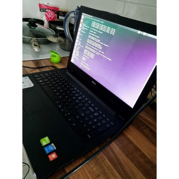 Dell Inspiron 15 3542 laptop z GeForce 920M