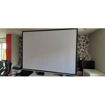 Ekran projekcyjny 120cali 245/185cm AV Solutions